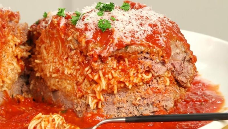 Спагетти болоньезе в необычном исполнении: домашние оценили мою задумку