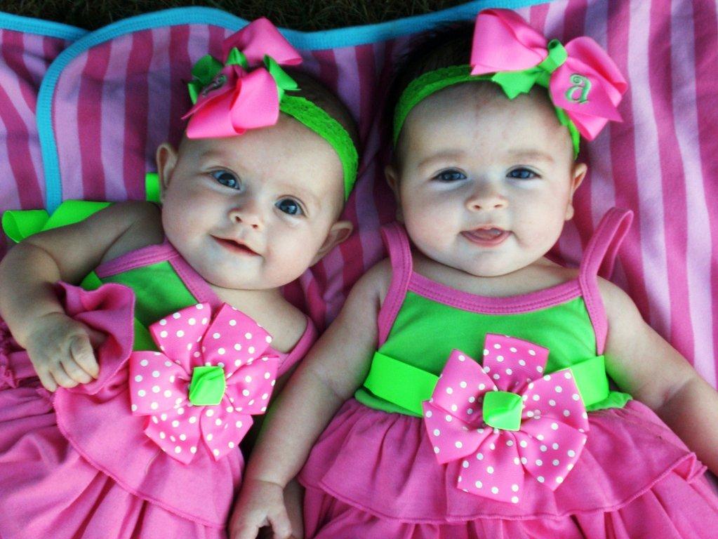 Странные имена, которые сестра дала своим дочерям близняшкам, рассорили всю семью (личная история)