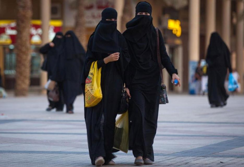 Как одеваться в оаэ женщинам туристам картинки
