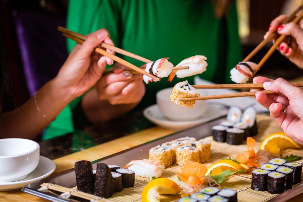 Экзотический этикет: правила, которые помогут не растеряться, если к столу подали улиток, артишоки и другие необычные блюда