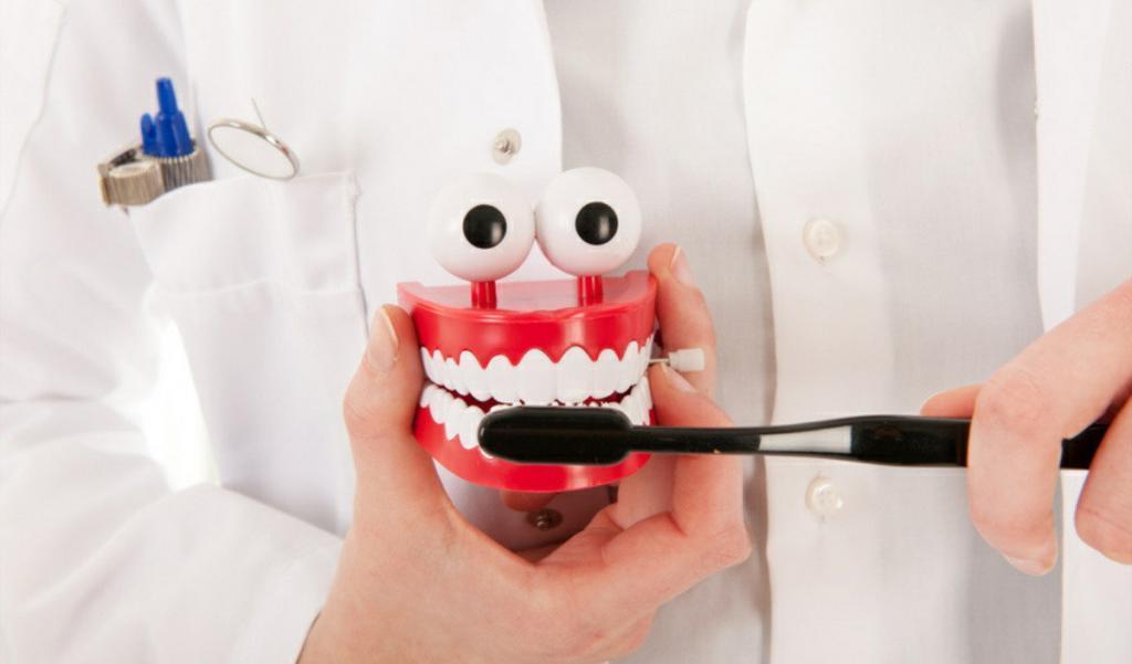 Клубника, морковь и сыр могут сделать ваши зубы жемчужно белыми, но это не отменяет чистку зубов и похода к стоматологу