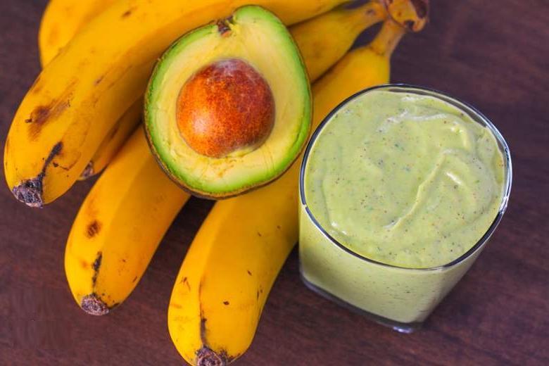 Как поддержать здоровье кожи осенью: питательные маски из авокадо для кожи