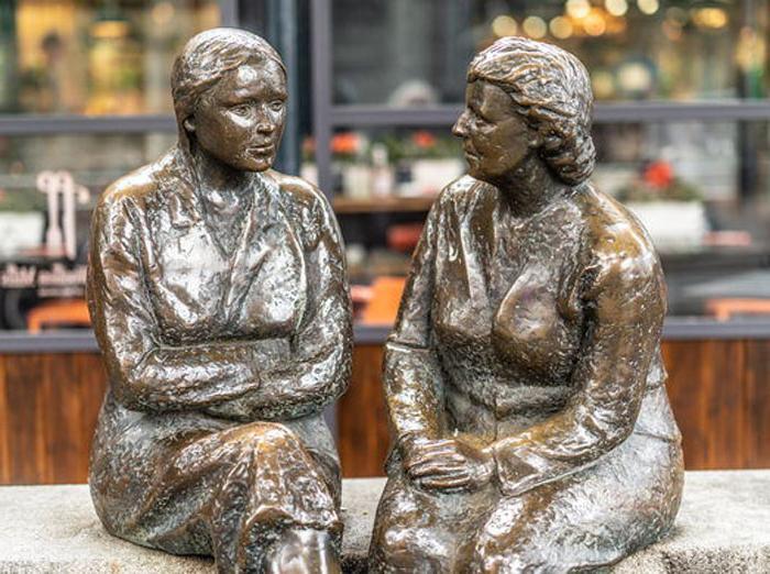 «Место встречи»: статуя двух женщин в Дублине, которые имеют не только голос, но и обидные прозвища