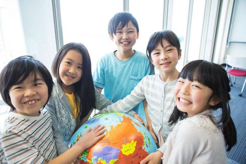 Традиции в разных странах мира, которые могут удивить: в Японии нельзя толстеть, а на Самоа - забыть поздравить жену