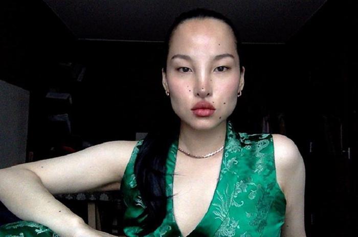 Знакомьтесь, Цунайна — тибетская модель с нестандартной, инопланетной, но чарующей внешностью: фото