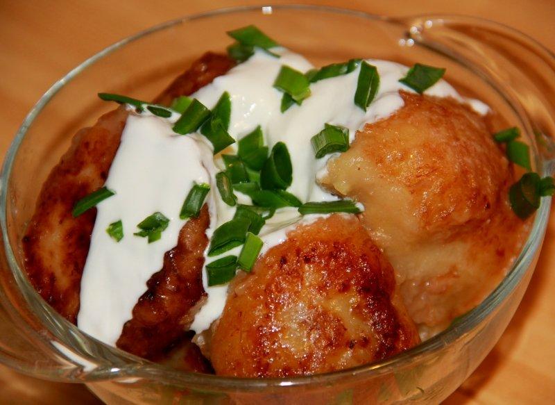 Муж гостил в Беларуси и попробовал там блюдо со смешным названием пызы. Так понравилось, что привез рецепт
