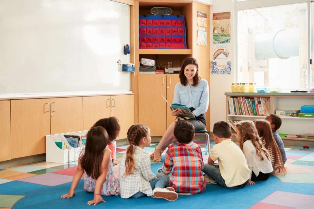 Мама работает учителем в школе уже 30 лет. Недавно она рассказала, что в современных родителях раздражает ее больше всего и каким манерам она учит их наряду с детьми