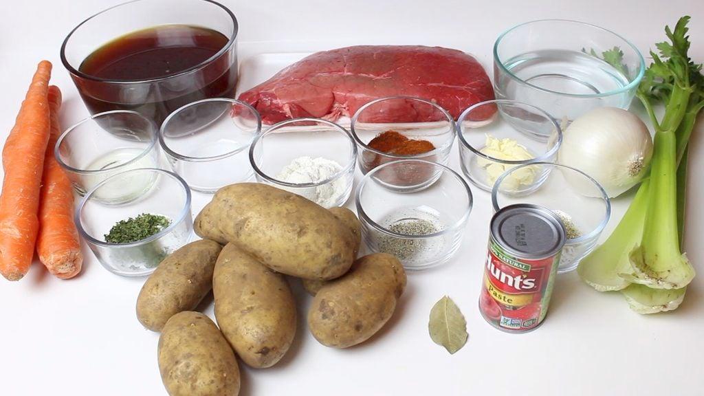 Мама поделилась рецептом стейк супа: он получается очень сытным, густым и наваристым