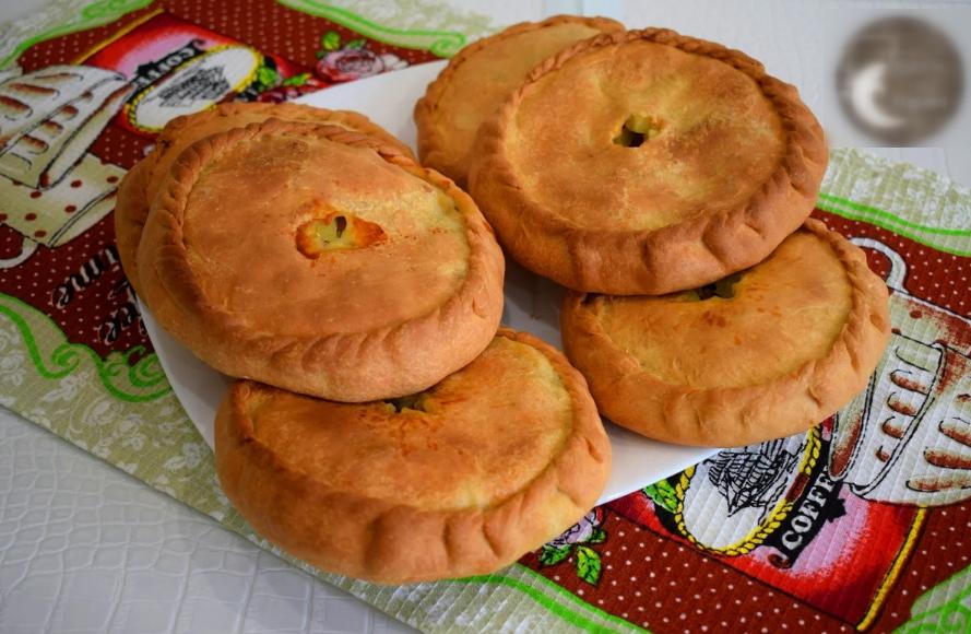 Вкуснее не придумаешь: мини-пироги с сочной начинкой