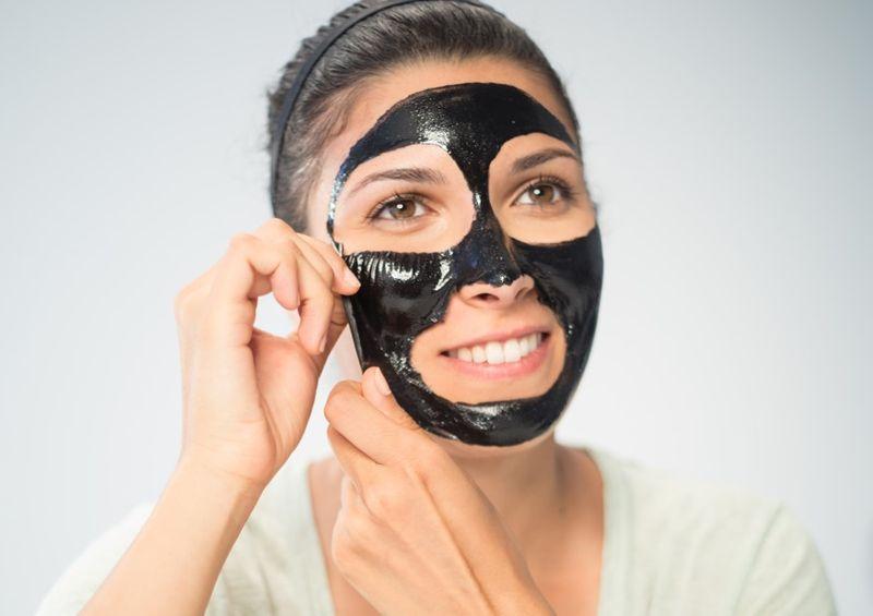 Не умываться часто и реже краситься: красота без макияжа - как ухаживать за кожей с большими порами