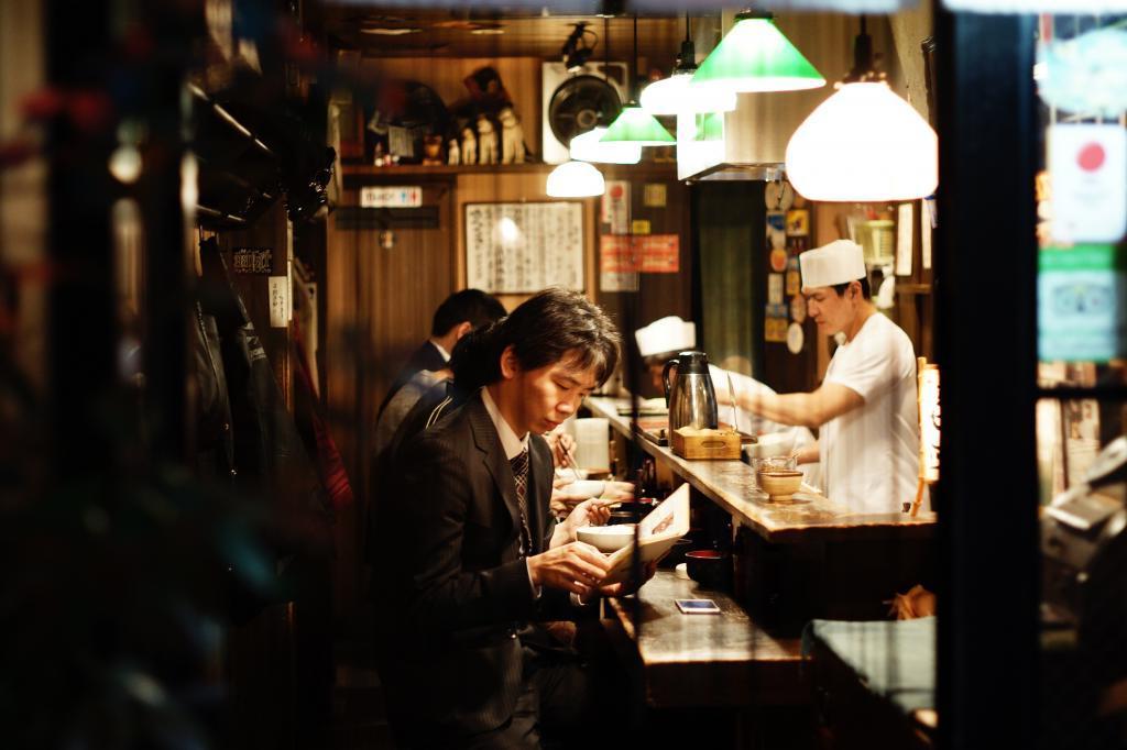 В ресторане коллега из Японии объяснил, что мы совсем неправильно едим суши