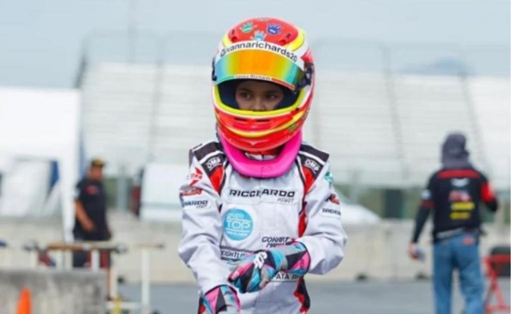 Маленькая гонщица: 11-летняя девочка занимается совсем не женским видом спорта