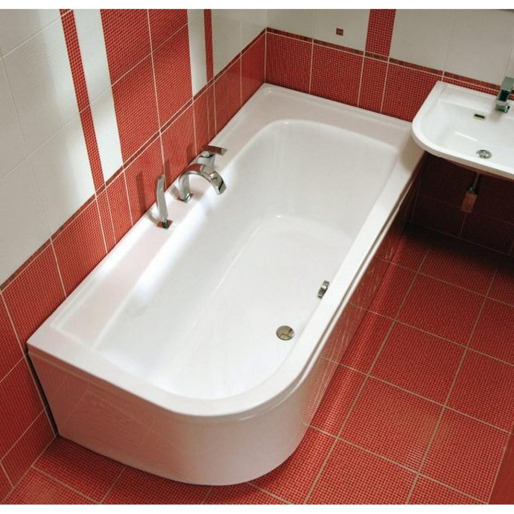 Простой способ закрыть сливное отверстие в ванной, если рядом не оказалось пробки