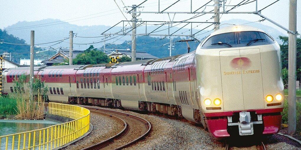 Побывав в Японии, я пришла в восторг от местных поездов: как выглядит обычный японский плацкарт изнутри