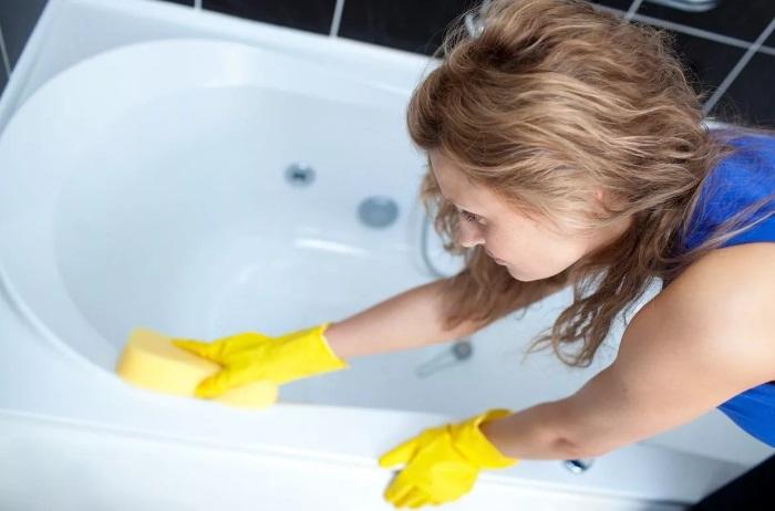 7 трюков, которые помогут очистить ванну менее чем за 15 минут