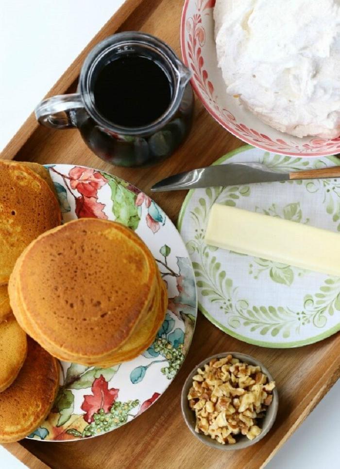 Тыквенные панкейки на завтрак понравились всей семье: пока сезон, пеку почаще