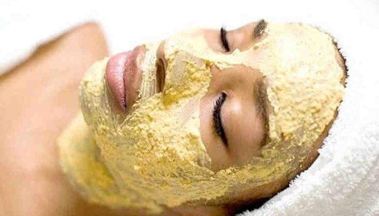 Я не верила, что дряблую кожу можно омолодить с помощью такой простой маски, пока не убедилась сама: рецепт