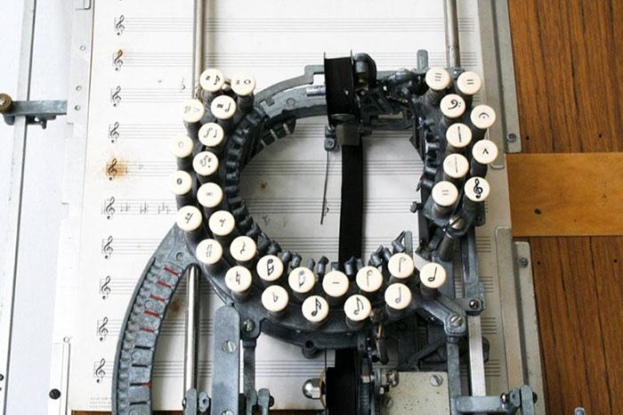 Коллекционерам на заметку: нотные печатные машинки - уникальные экспонаты на аукционах