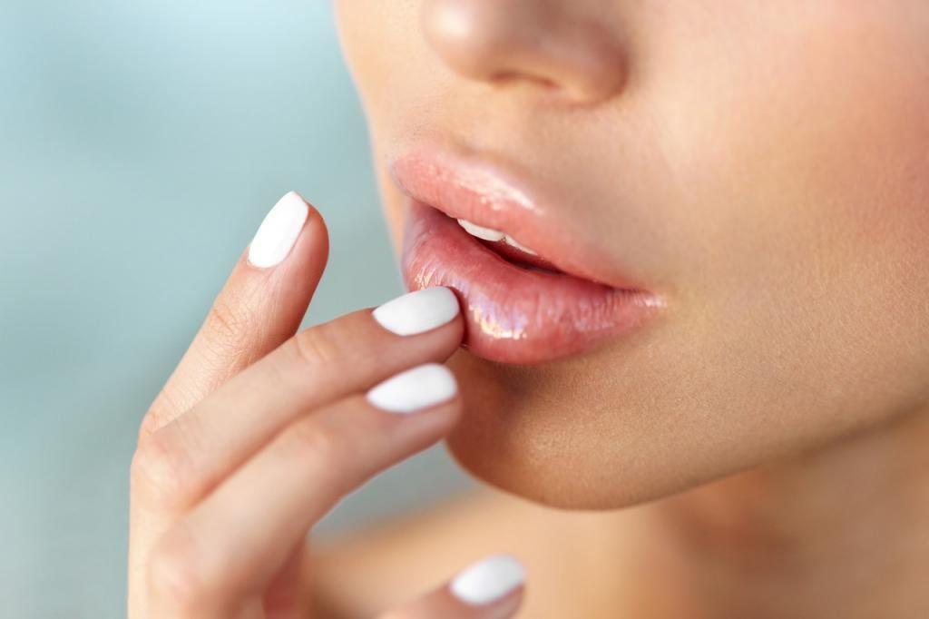 У меня не возникает проблем с обветренными губами. Я знаю, как за ними правильно ухаживать