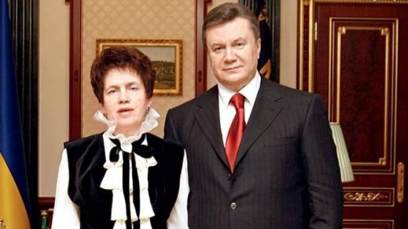 После ухода мужа радуется жизни: как и где сегодня живет бывшая супруга Виктора Януковича