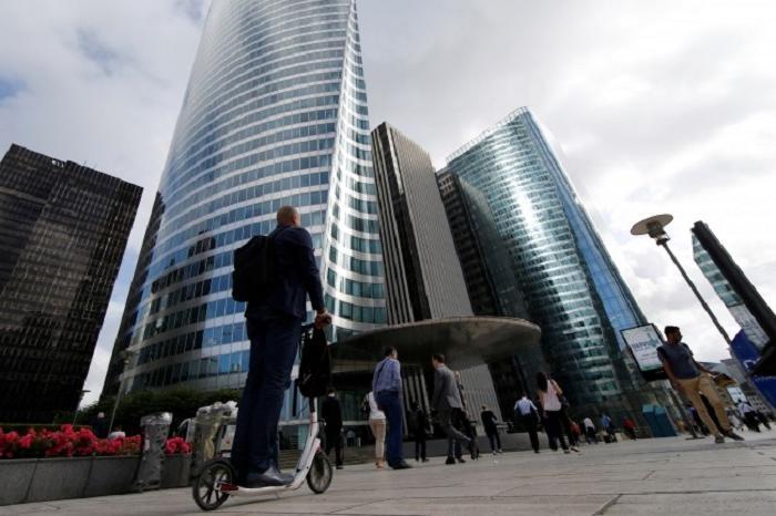 На осле или по небу: как едут на работу люди в разных частях света