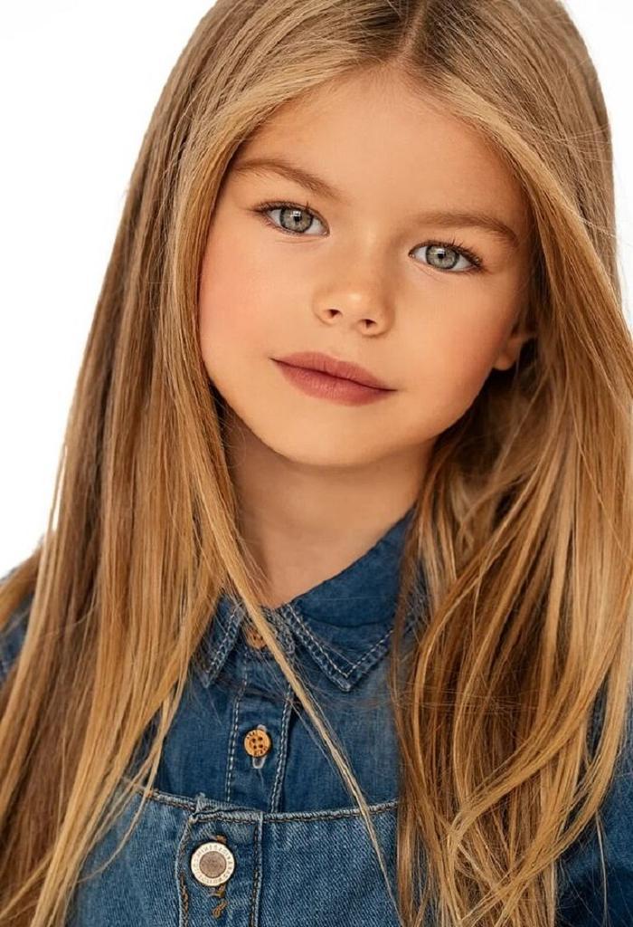 Маленький ангел: 6 летняя Алина Якупова из Москвы привлекла внимание мира своей внешностью