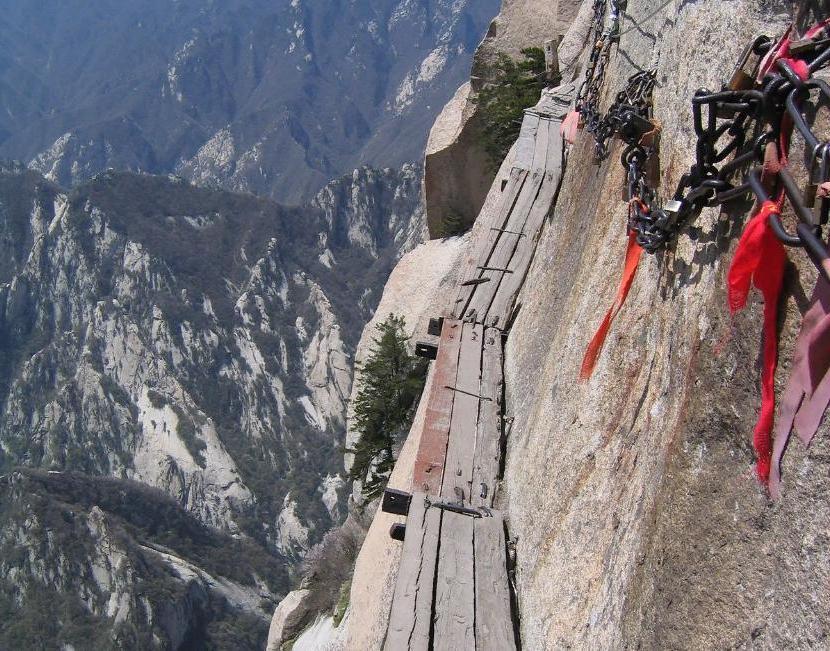 Высота 600 метров, 3922 ступени: 10 самых впечатляющих лестниц в мире, от которых захватывает дух