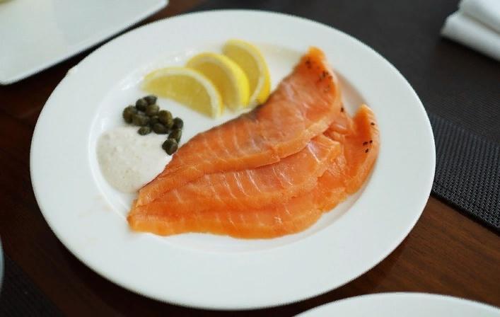 Вкусный копченый лосось не только на бутербродах: также я готовлю легкий питательный суп, паштет и еще несколько простых блюд