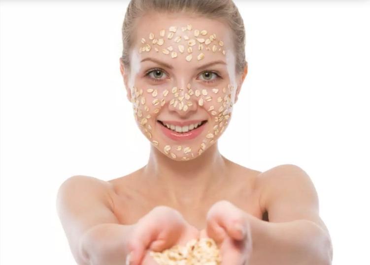 Овсяная - для сухой, банановая - для нормальной: лучшие маски для красивой кожи лица