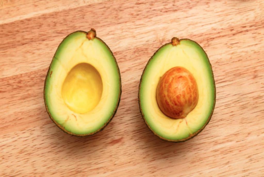 Авокадо, баклажаны и другие продукты, которые можно готовить на гриле и они не потеряют своих полезных свойств