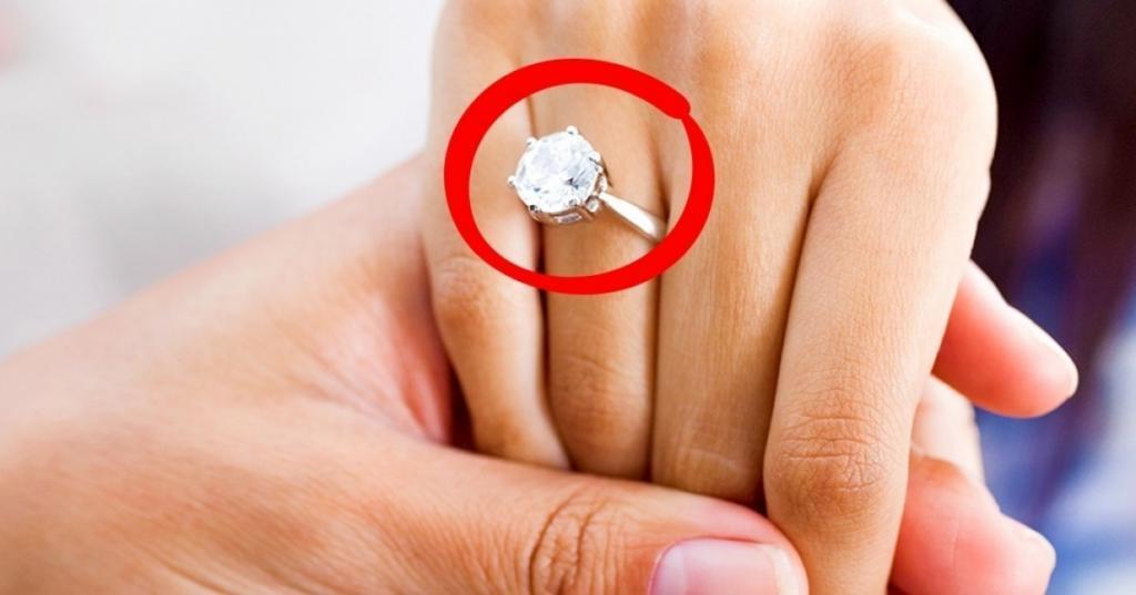 Откуда взялась традиция дарить кольцо с бриллиантом, делая предложение любимой: истинная причина