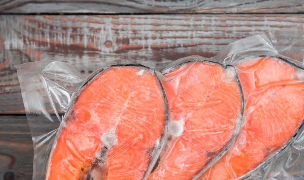 Рыба, соки и другие продукты, которые нельзя есть после истечения их срока годности