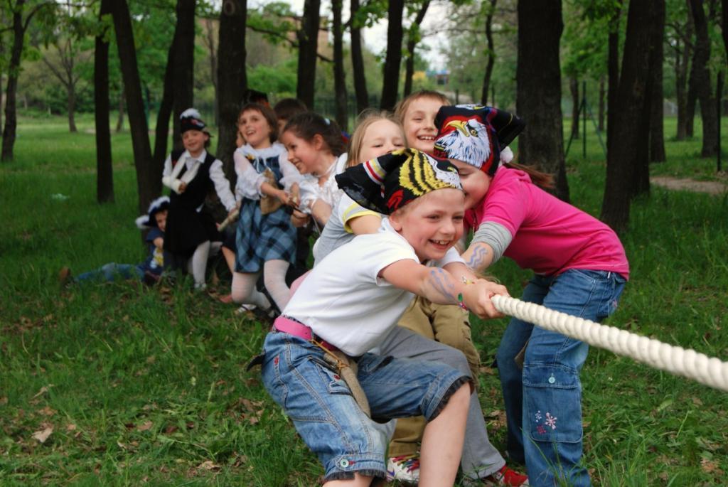 Игры на открытом воздухе - лучшее лекарство для детей