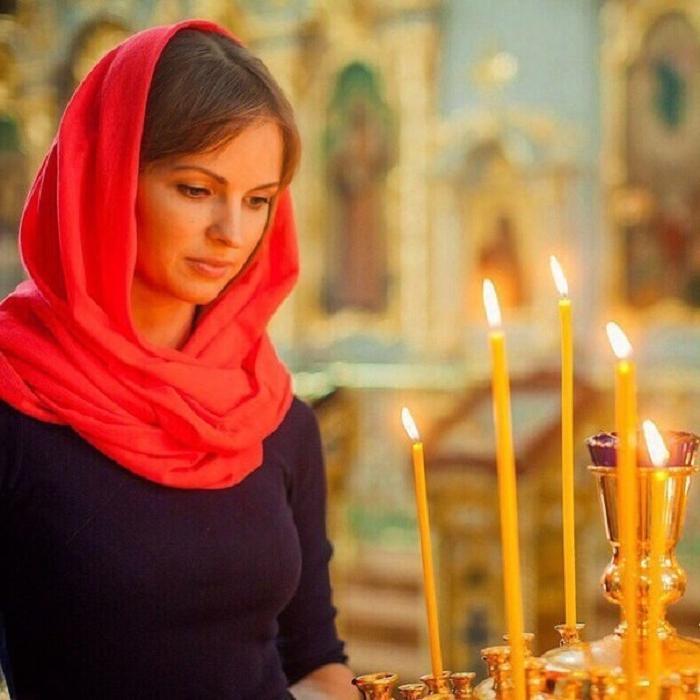Чтобы Богоматерь была благосклонной на Покров, к празднику нужно готовиться заранее: что сделать женщине, чтобы 14 октября все молитвы были услышаны