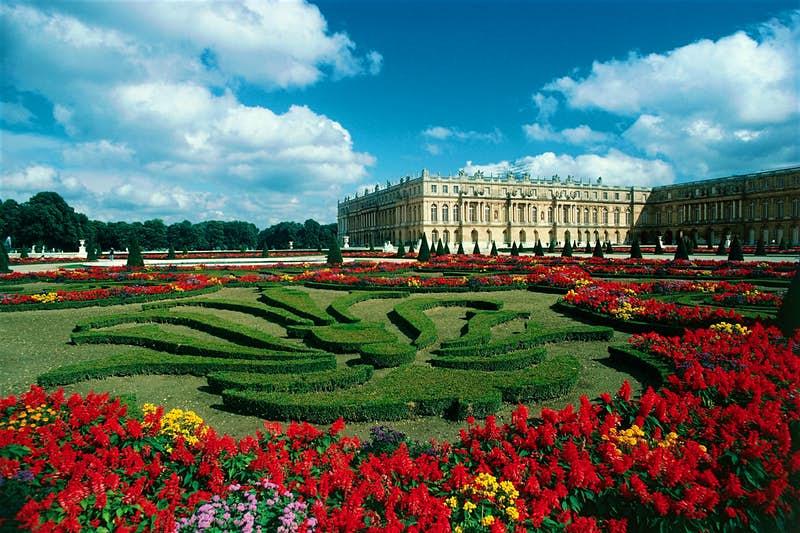Только вы и Версаль: теперь туристы могут посетить бывшую резиденцию французских королей в виртуальном формате