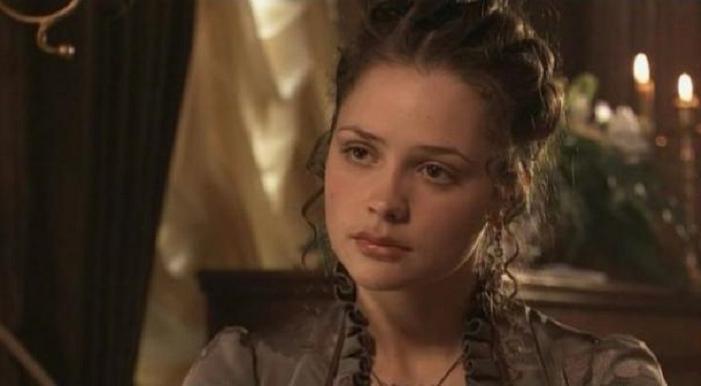 Ей приписывали романы с известными режиссерами: как живет Анастасия Микульчина, сыгравшая Марию Воронцову в триллере