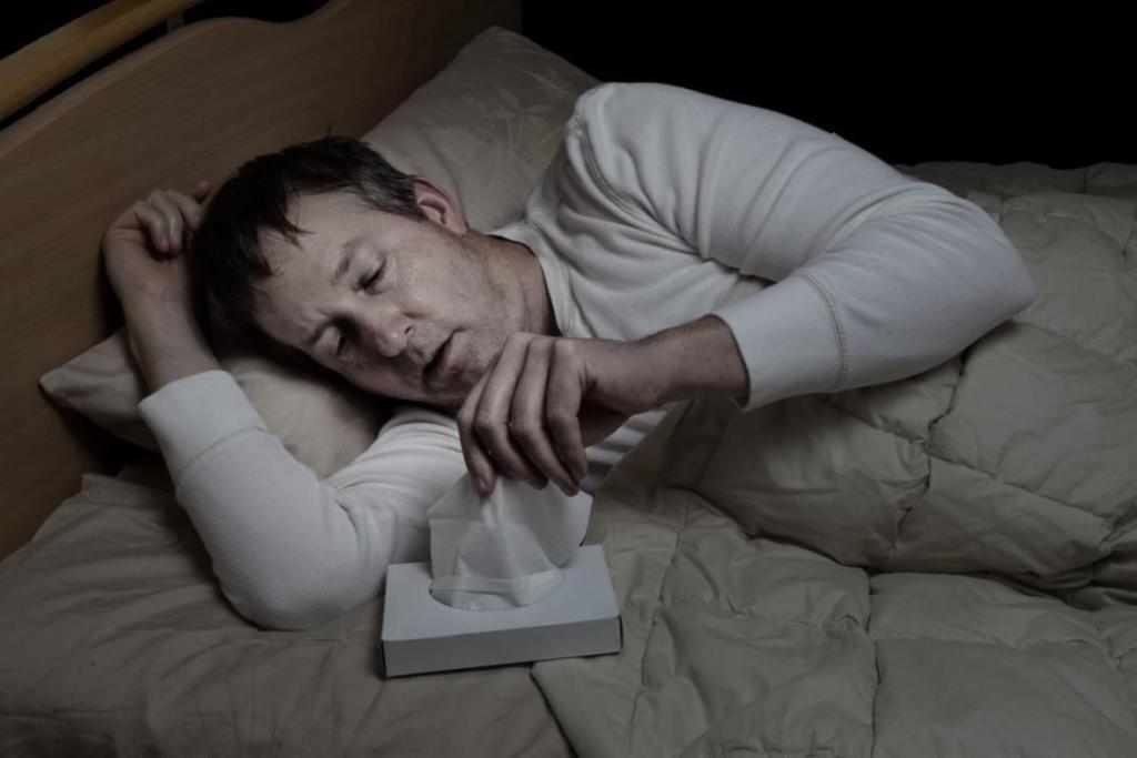 Прием лекарств и другое: причины, почему мы потеем во время сна