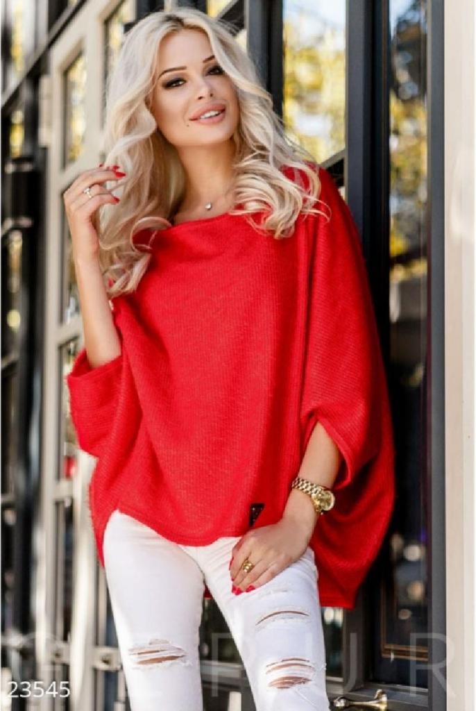 Новый сезон – время обновок: бархатные платья в бельевом стиле и еще 4 вещи, которыми нужно пополнить свой гардероб этой зимой