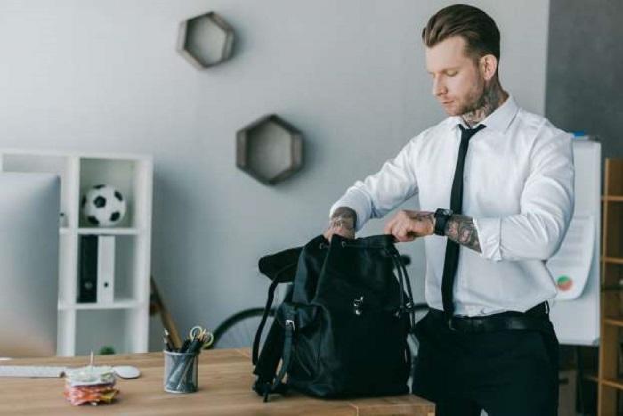 Странно, но даже обычное содержимое сумок разных знаков зодиака отличается. Например, у Тельца там могут оказаться иголки, кисточки и прочие полезные мелочи