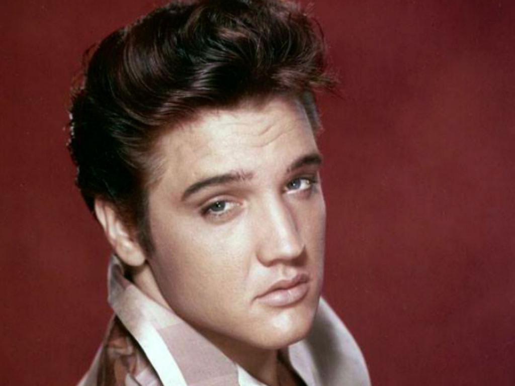 Внук Элвиса Пресли настолько сильно похож на дедушку, что фаны хотели бы видеть только его в фильме о певце