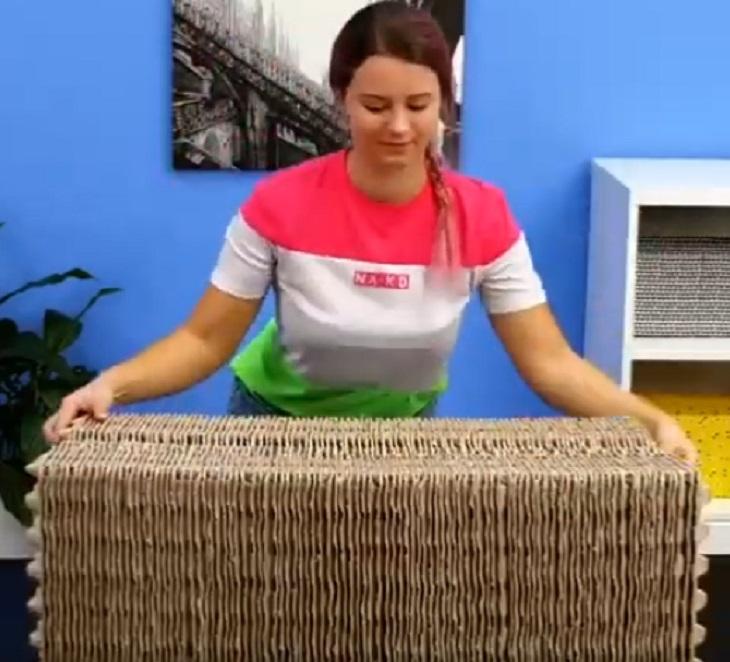 Взяла лотки из-под яиц и сделала пуфик. Его можно использовать как стол - все гениальное просто (видео)