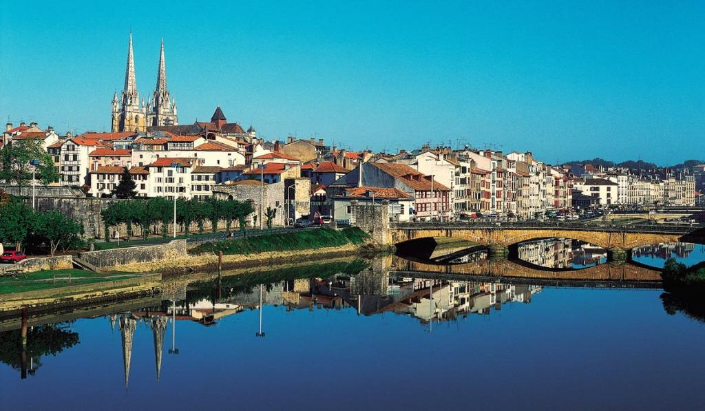 Путешествуем, как французы: 10 местечек, где предпочитают проводить свой отпуск жители Франции