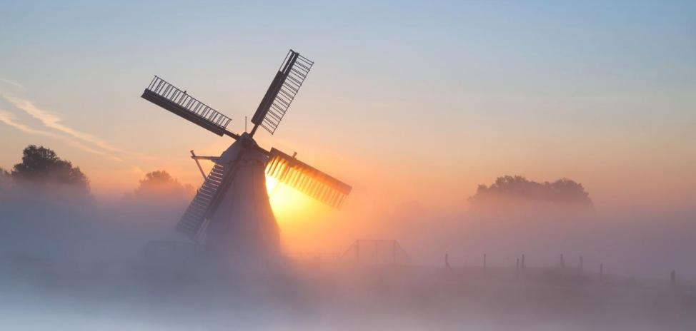 Мельница 18-го века в Голландии снова начала свою работу и принимает туристов