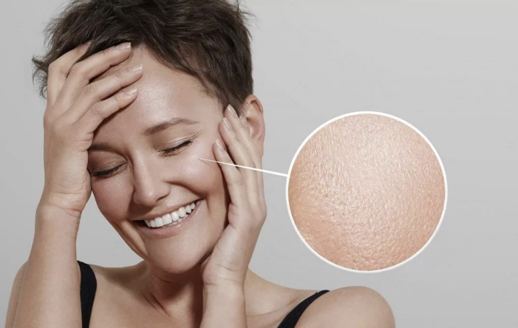 8 правил по уходу за жирной кожей: тонер может сбалансировать уровень рН, а с пилингом нужно быть аккуратней