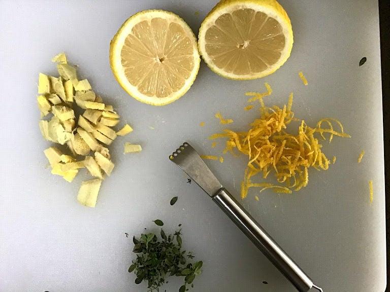 Вкусно и полезно: витаминные леденцы с имбирем и лимоном для всей семьи