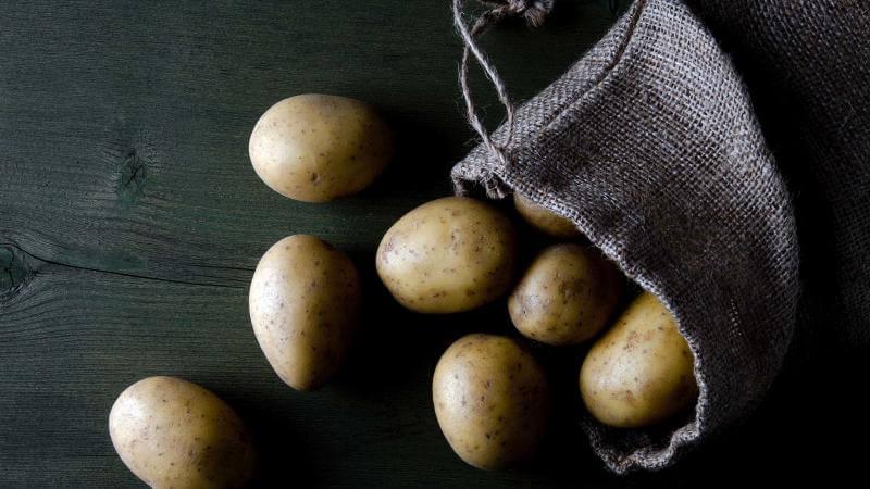 Как уберечь картофель зимой от порчи: придется запастись корзинами из лозы и ящиками