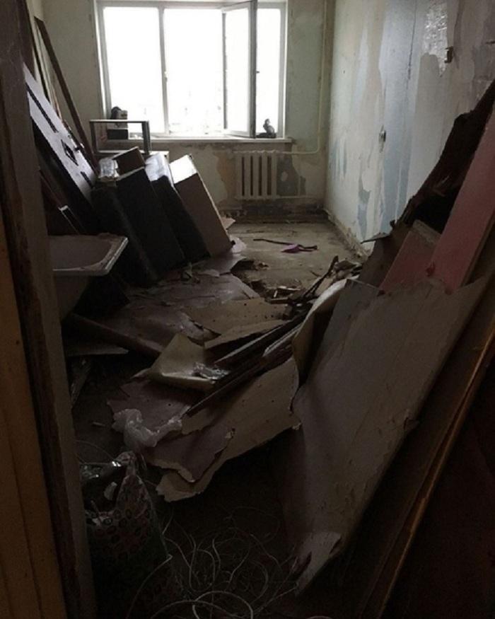 Из полной разрухи - в комфортную и стильную квартиру. Еще одно доказательство того, что светлые тона всегда выигрышно смотрятся в интерьере (фото)