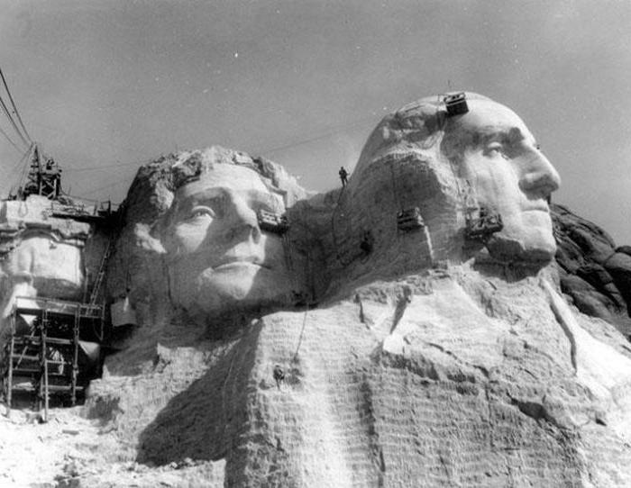 Статуя свободы, Диснейленд и другие достопримечательности: как они выглядели во время строительства (фото)