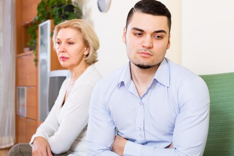 Как родная мать уничтожила счастье сына своими руками