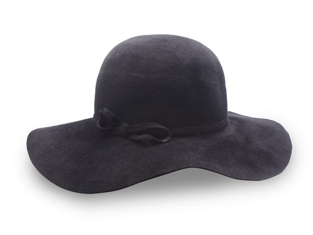 Принцесса Диана носила много шляпок, и сейчас подобные аксессуары в моде. Дизайнеры рассказали, как, что и когда надевать